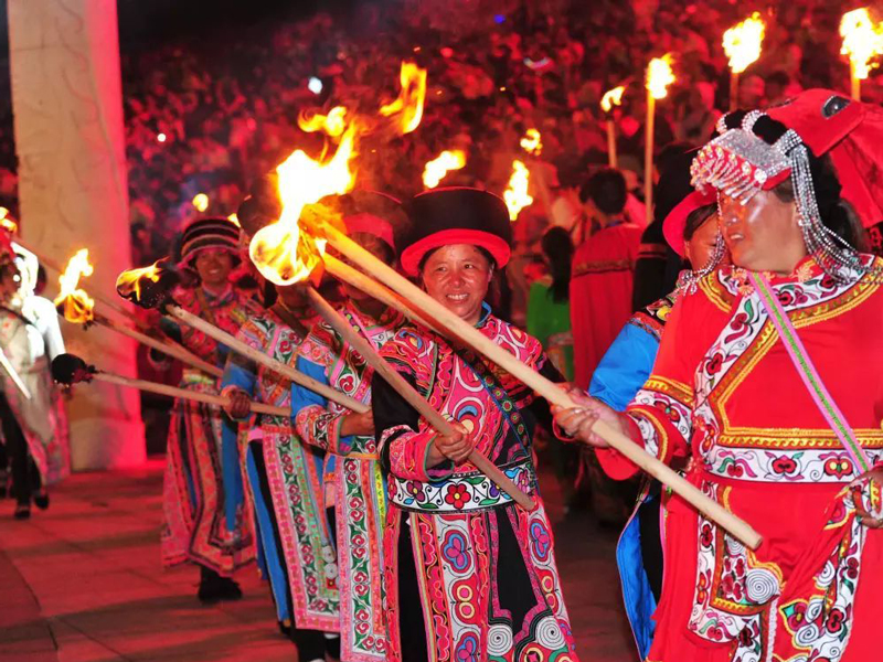 火把節,納西族民間傳統節日,農歷六月二十五日舉行