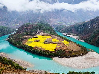 怒江将修建一条美丽公路 可以一边跑着步一边欣赏人间仙境