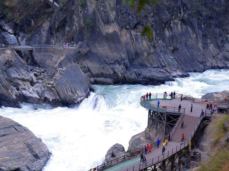 丽江-香格里拉-虎跳峡-普达措2日游