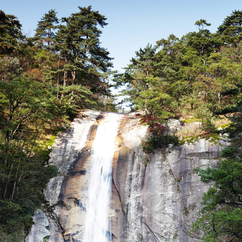 堡堡寨瀑布