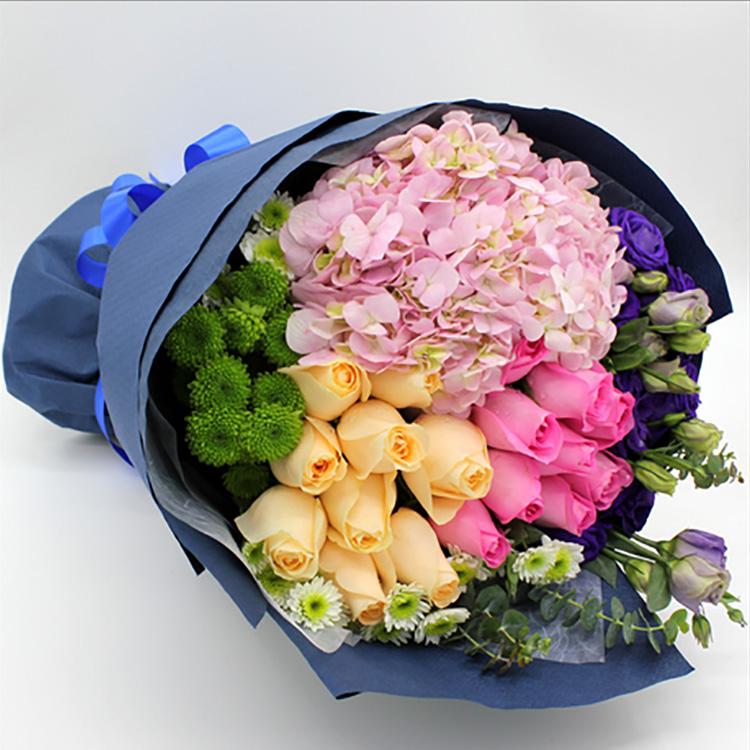 混搭花束玫瑰雏菊绣球