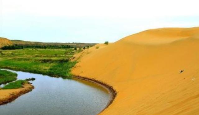 中国再现超级工程,30万亩沙漠变绿洲,改变新疆干旱的环境状况