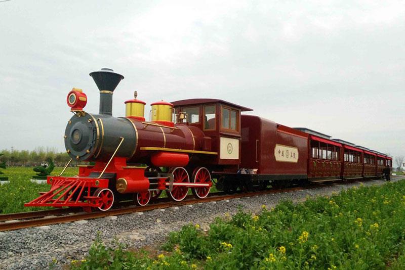 云南最高端的旅游火车,号称移动的豪华酒店,票价和普通列车一样